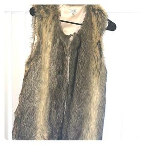 Sleeveless Furry vest - brown